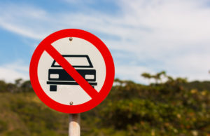 lotta la terrorismo via le auto