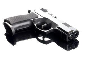 L'Italia dei Valori ritiene necessario che siano consegnate le armi agli agenti di polizia municipale che operano a Campobasso.