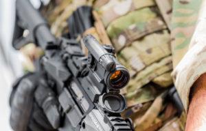 Aimpoint si è aggiudicata il contratto che prevede la fornitura dei red dot MPS3 e CompM5 alle forze armate svedesi: i dettagli e l'importo della commessa su armimagazine.it.