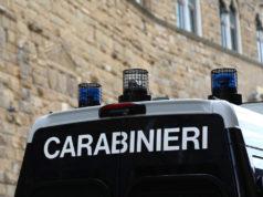 Baranzate (MI): spara per strada con una scacciacani modificata, carabinieri scoprono laboratorio artigianale di armi nel garage.