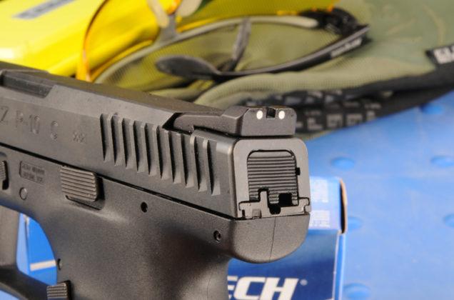 dettaglio percussore pistola CZ P-10 C