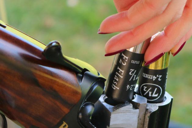 due cartucce da tiro Baschieri & Pellagri F2 Flash inserite nel fucile