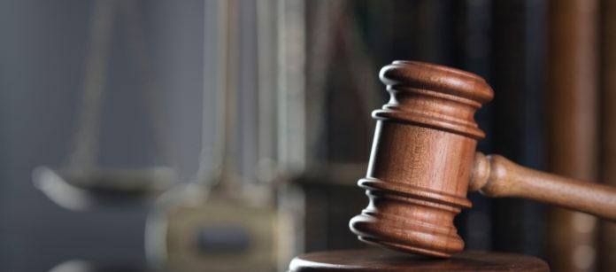 Martello del giudice per incauta custodia di armi