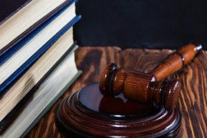 martello giudice consiglio di Stato: ridotta durata del porto d'armi