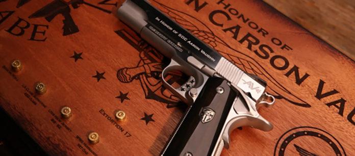 pistola custom cabot guns aaron vaughn