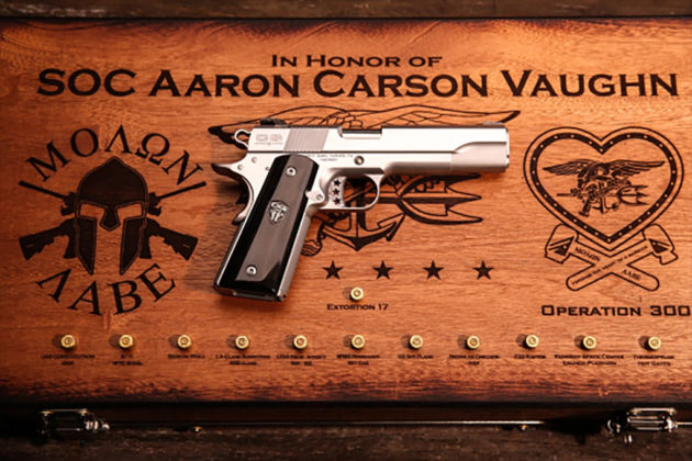 pistola custom cabot guns e case, ricordo di aaron vaughn