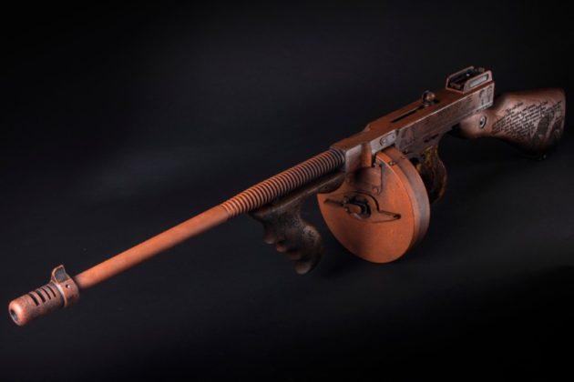tommy gun auto-ordnance Bonnie & Clyde visto dall'alto