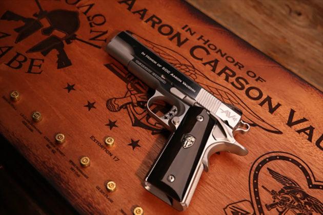 vista di taglio, pistola custom cabot guns e case, ricordo di aaron vaughn