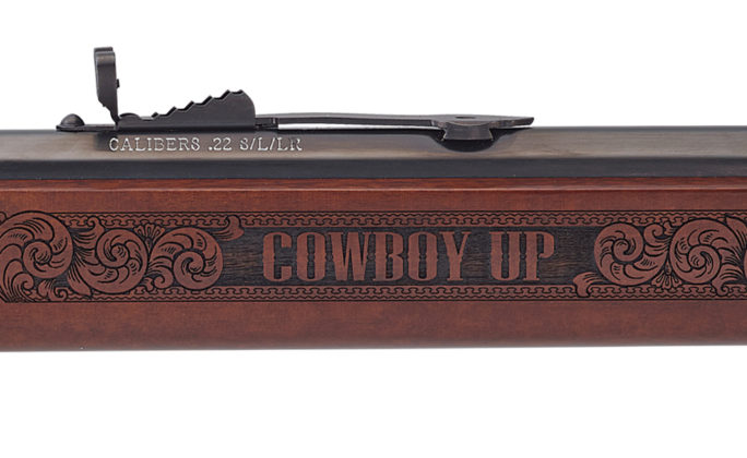 Cowboy up, vale a dire scritta incisa sulla carabina henry American Rodeo Tribute Edition