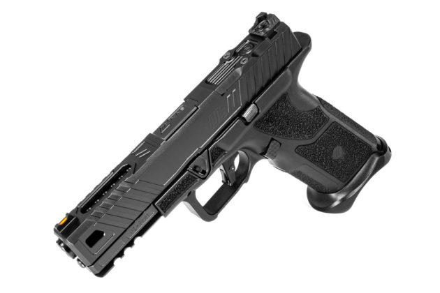 lato sinistro della pistola modulare zev technologies oz-9 inclinata