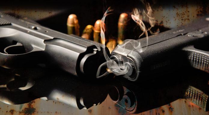 porto d'armi per difesa due pistole fumanti e cinque proiettili