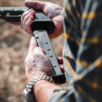 installazione del caricatore da 27 colpi per Glock 9 mm Magpul PMAG 27 GL9