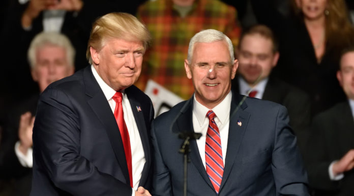 donald trump e mike pence alla convention dell'nra