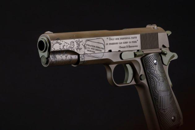 vista da sinistra, la pistola auto odnance the general 1911