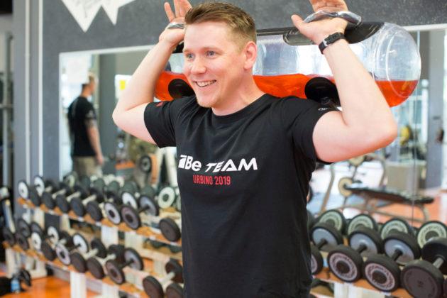 il tiratore benelli Jaakko Viitalia durante una sessione di allenamento indoor