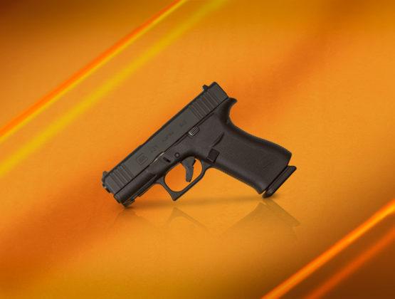 glock g43x su fondo arancio