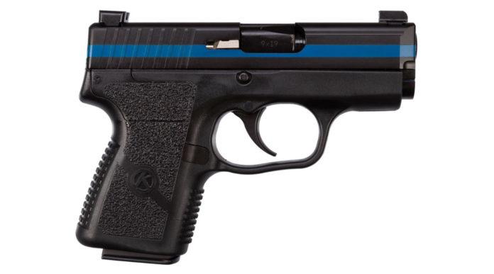 una delle pistole Kahr Thin Blue Line PM9 donate all'Nra