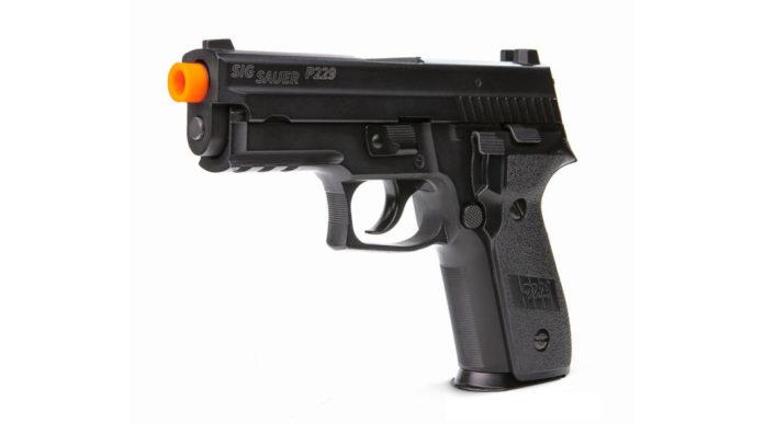 La pistola ad aria compressa Sig Sauer Pro Force P229 Airsoft sbarca sul mercato civile