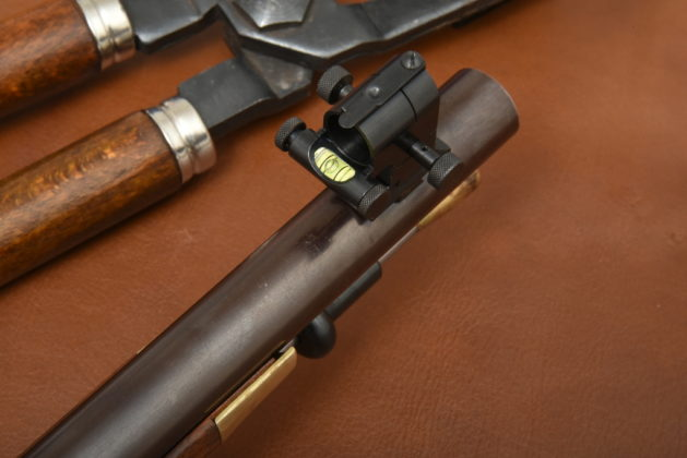 la livella a bolla d'aria del mirino del fucile Whitworth di Pedersoli