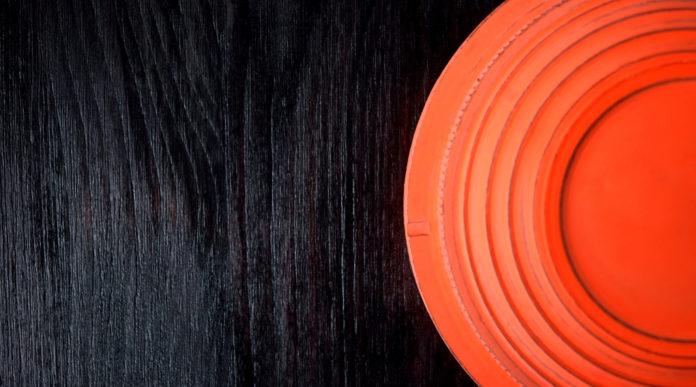 circolati Fitav: piattello arancione su fondo nero