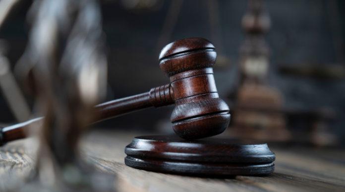 Munizioni camiciate, la sentenza della Cassazione: martello del giudice