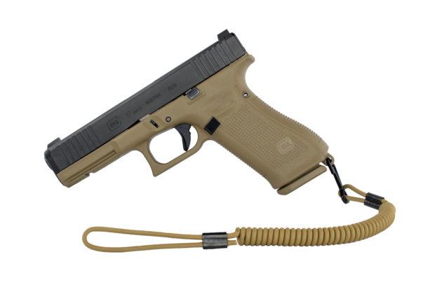 la pistola glock g17 gen 5 con cordino di sicurezza