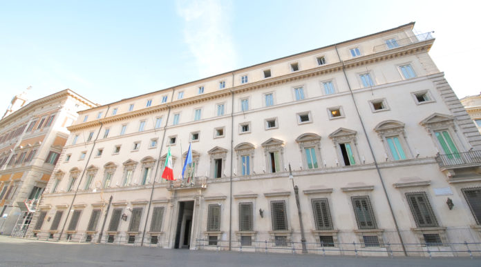 Decreto legge sull'emergenza sanitaria: facciata di palazzo chigi