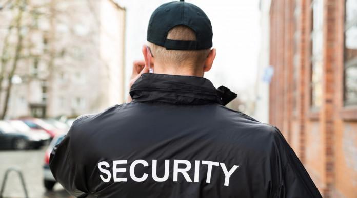 rinnovo del porto d'armi: guardia di sicurezza di spalle