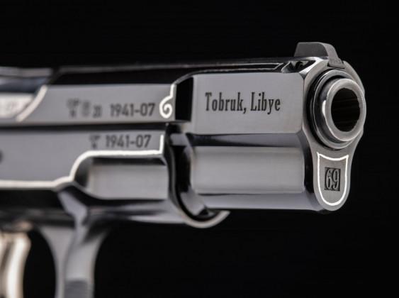 canna con incisione della pistola da collezione cz 75 tobruk
