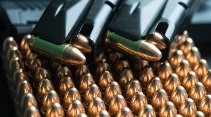 Qualifica delle munizioni calibro 9x19: caricatore per pistola con cartucce