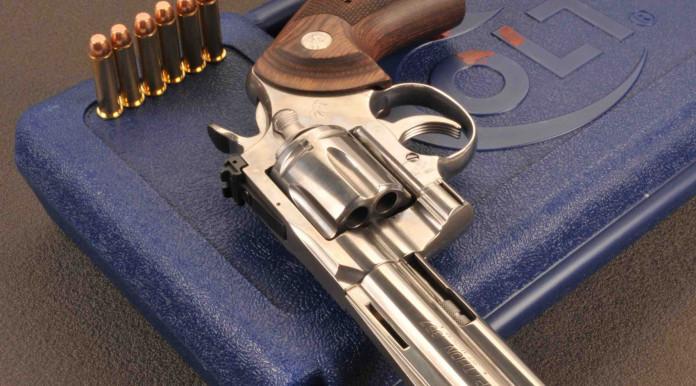 """Colt Python 4""""¼ cal. .357 Magnum, alla conquista del terzo millennio"""