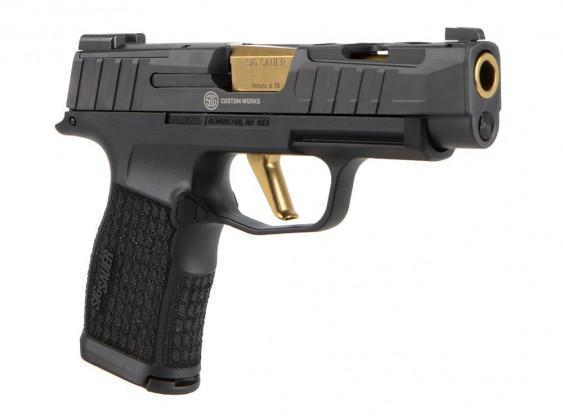 lato destro della pistola microcompatta Sig Custom P365XL Spectre con nuova finitura